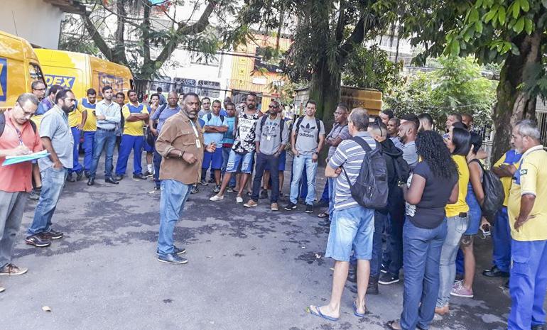 CEE Jacarepaguá: trabalhadores permanecem paralisados na luta por melhores condições de trabalho