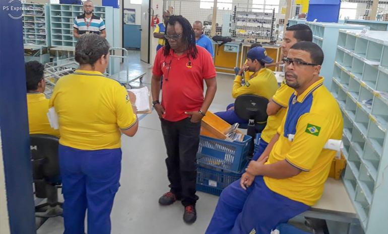 SINTECT/RJ mobiliza os trabalhadores em reunião setorial noCdd Alcântara