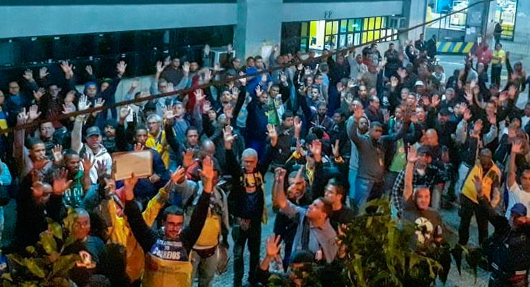 Em assembleia, Trabalhadores do RJ rejeitam proposta e ampliam mobilização
