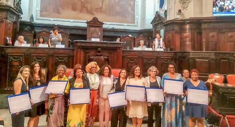 Alerj homenageia Secretária-geral Rosemeri Leodoro com diploma Mulher Cidadã